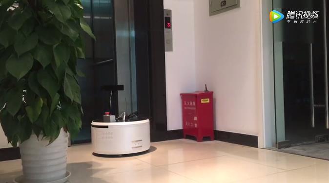 思岚科技自主上下电梯方案