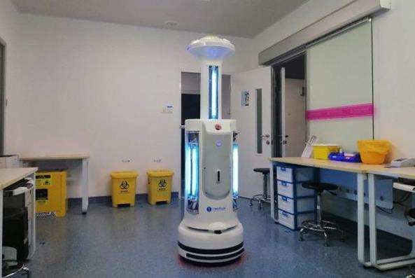 抗击冠状病毒的消毒机器人