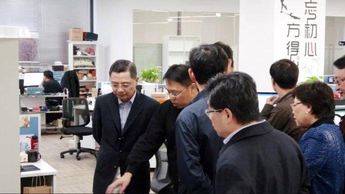 彭沉雷副市长了解了思岚科技发展状况