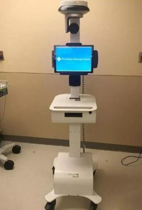 辅助治疗美国首例新型冠状病毒的护理机器人