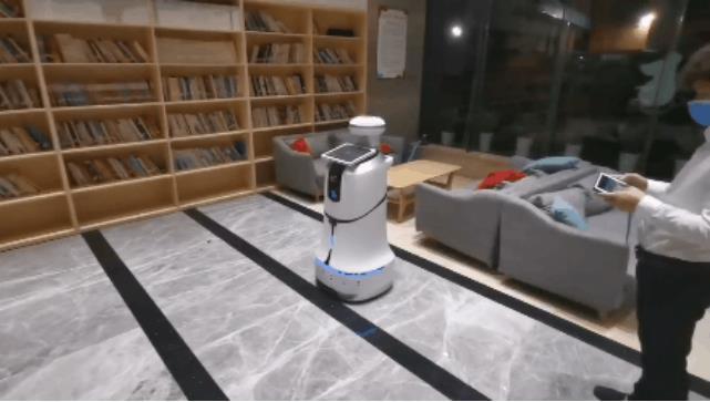 新基建医疗防护机器人