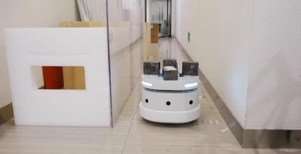 雅典娜小型轮式机器人底盘