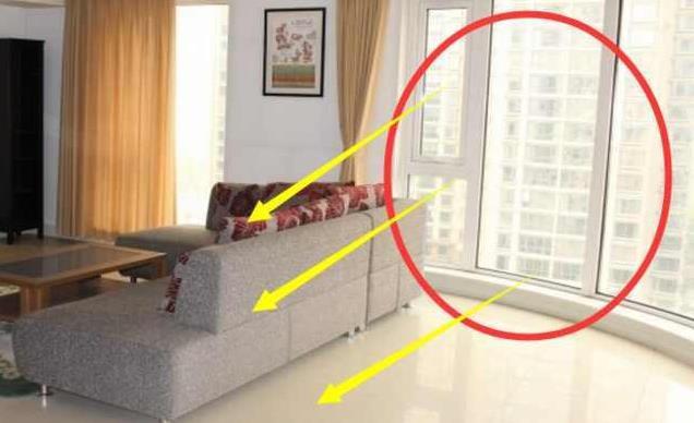 从落地窗投射进来的阳光、各类室内的人造光源甚至是直接暴露在室外工作,这些情况都有可能对于激光雷达传感器产生干扰。